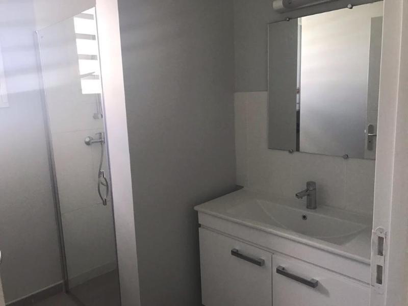 Location appartement Les trois ilets 780€ CC - Photo 9