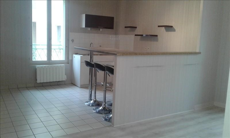 Verhuren  appartement St genis laval 690€ CC - Foto 2