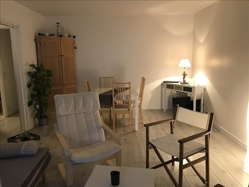 Rental apartment Villepreux 920€ CC - Picture 2