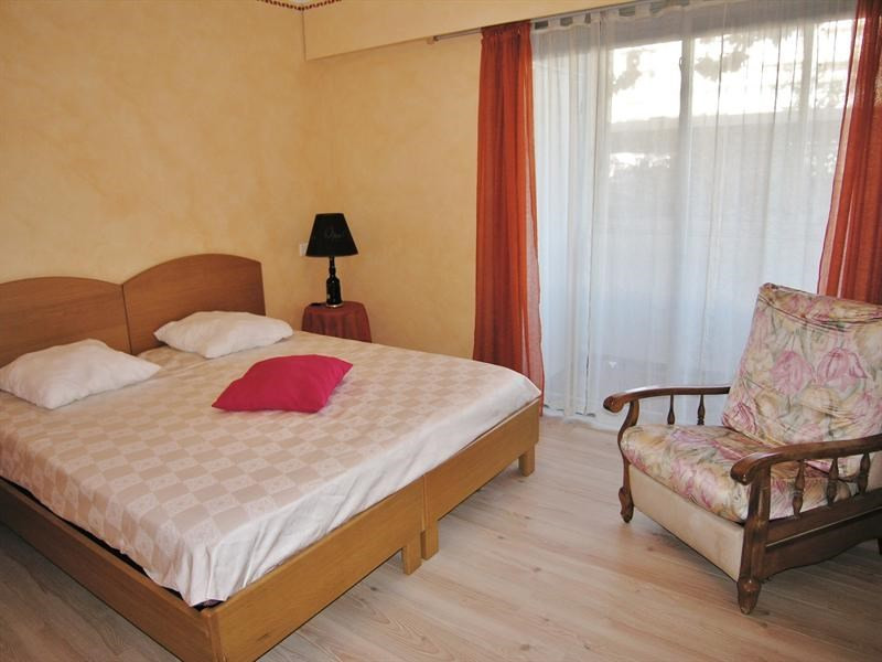 Location vacances appartement Golfe juan 490€ - Photo 6