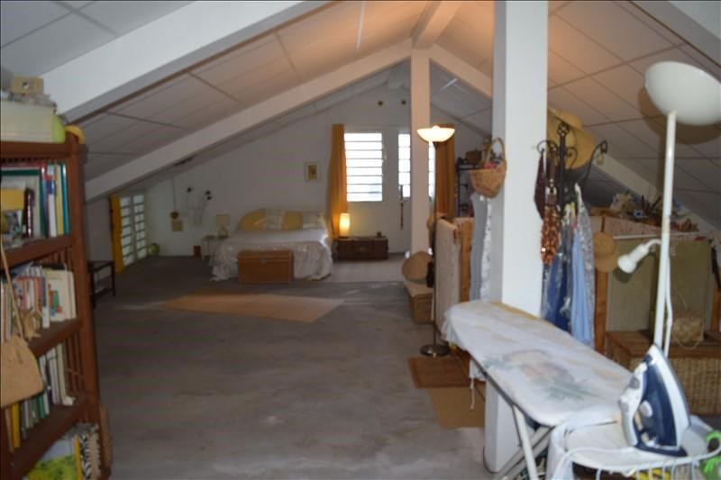 Sale house / villa La riviere 230000€ - Picture 5