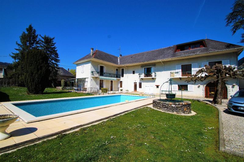 Deluxe sale house / villa Albens 699000€ - Picture 2