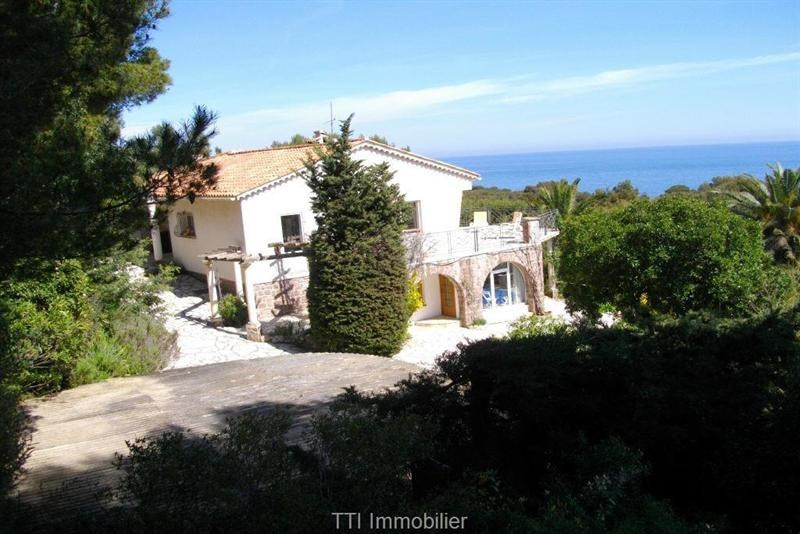 Sale house / villa Les issambres 998 000€ - Picture 1
