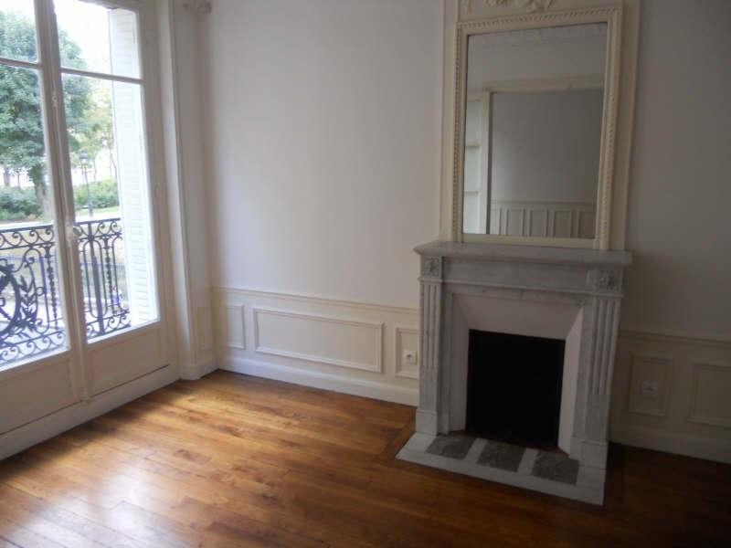 Rental apartment Paris 14ème 2020€ CC - Picture 2