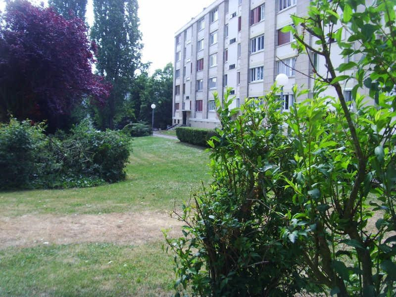 Sale apartment Beauvais 102 000€ - Picture 1