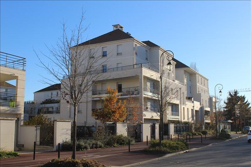 Rental apartment Montigny le bretonneux 1515€ CC - Picture 1