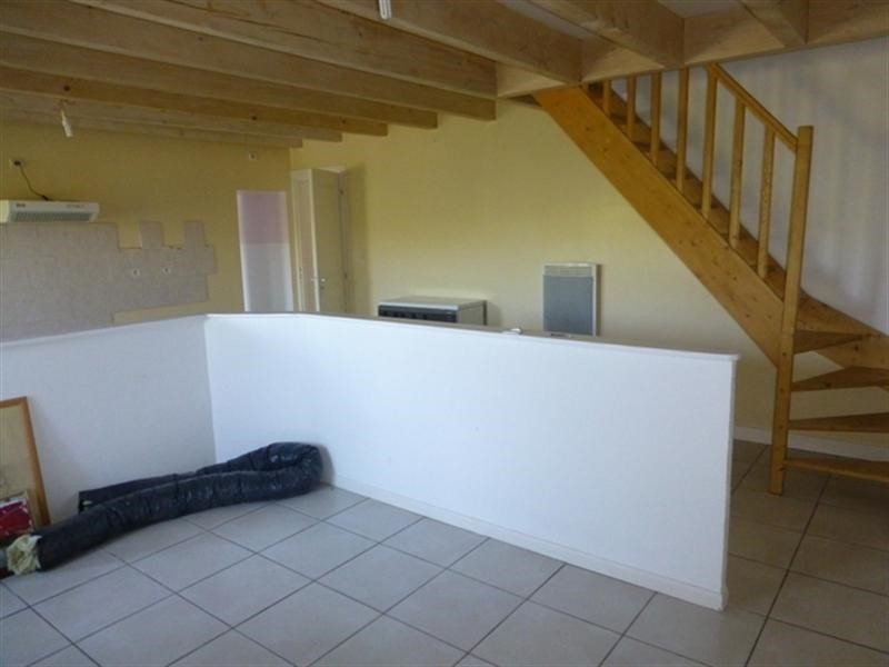 Sale house / villa St julien de l'escap 91 375€ - Picture 3