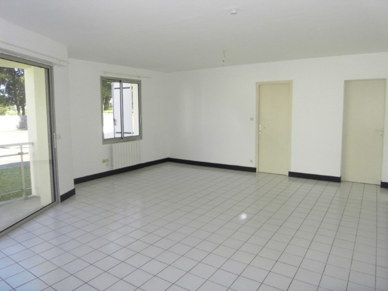 Location appartement Cognac 576€ CC - Photo 2