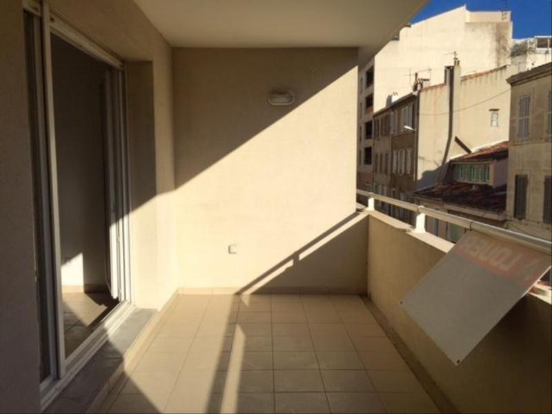 Location appartement Marseille 8ème 878€ CC - Photo 2