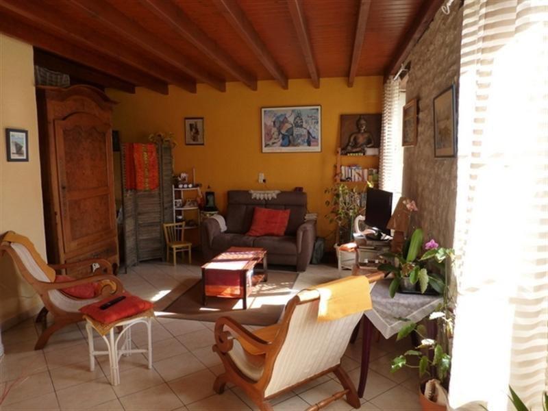 Sale house / villa Saint-jean-d'angély 218200€ - Picture 4