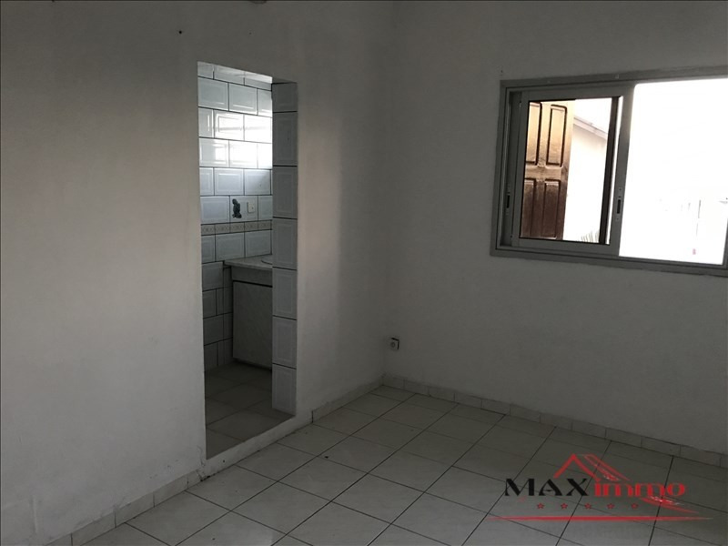 Location maison / villa Saint-louis 1 059€ CC - Photo 4