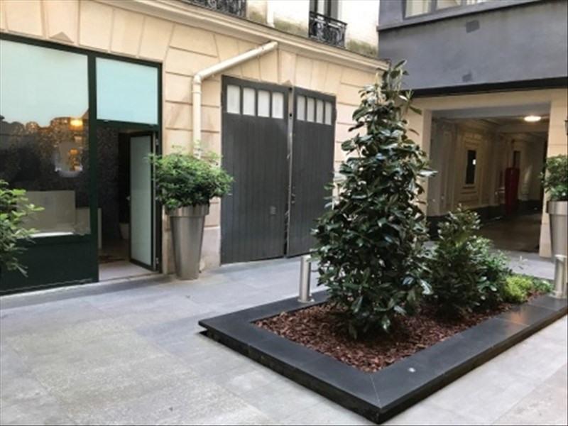 Vente local commercial Paris 8ème 1155000€ - Photo 2