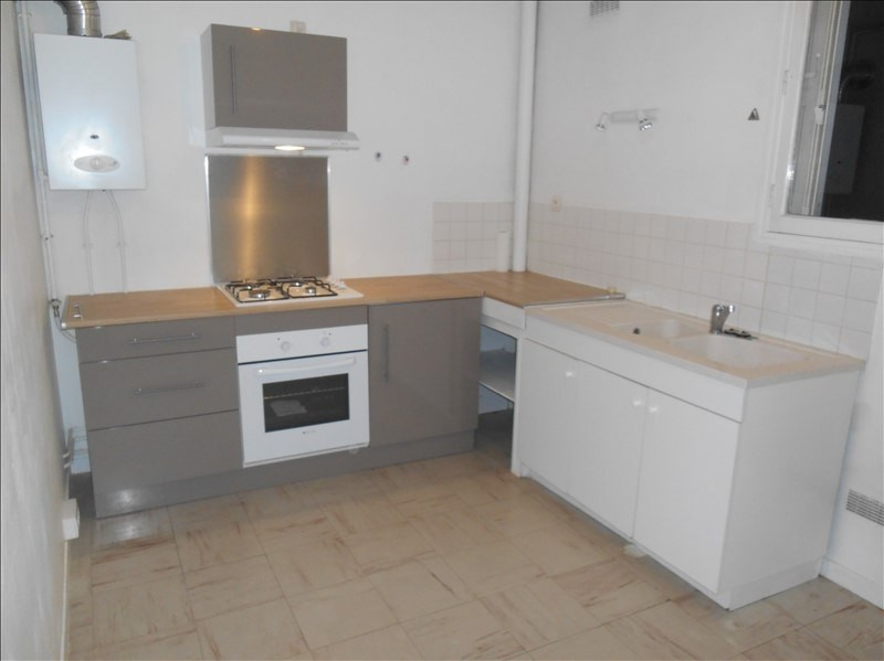 Location appartement Troyes 430€ CC - Photo 2