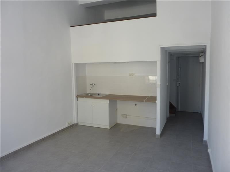 Rental apartment Marseille 6ème 410€ CC - Picture 3