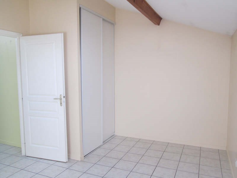 Rental apartment Bourgoin jallieu 615€ CC - Picture 4