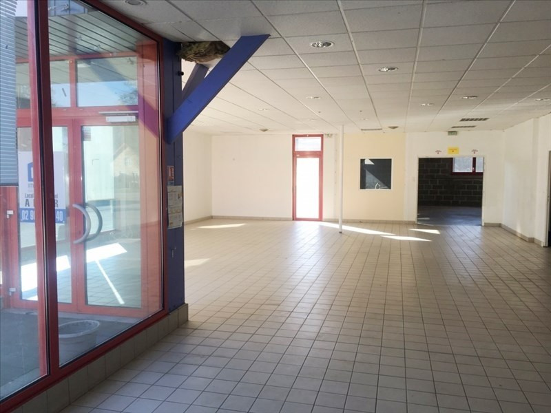 Location local commercial Fougeres 1850€ HT/HC - Photo 3
