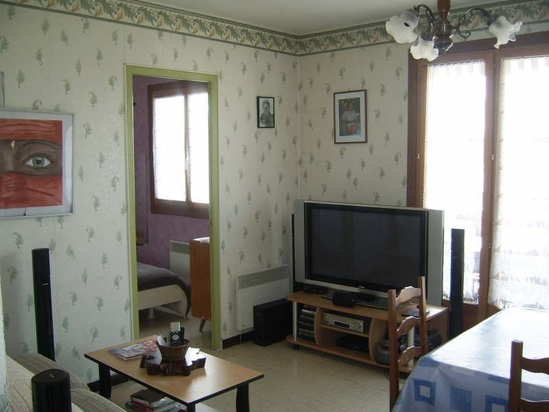Sale apartment Nimes 91 000€ - Picture 2