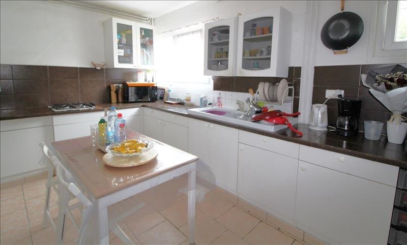 Sale house / villa Maurepas 339000€ - Picture 3