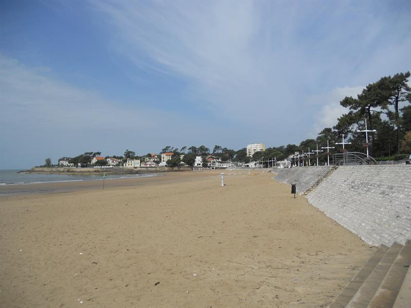 Vacation rental house / villa Vaux sur mer 824€ - Picture 19