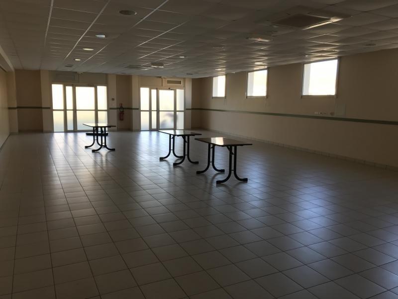 Sale empty room/storage La salle et chapelle aubr 210900€ - Picture 3