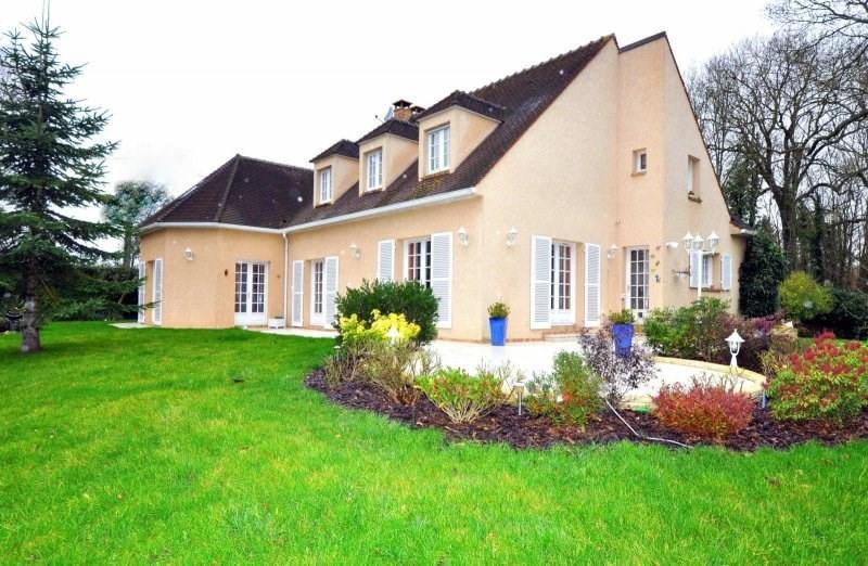 Sale house / villa Forges les bains 605000€ - Picture 1