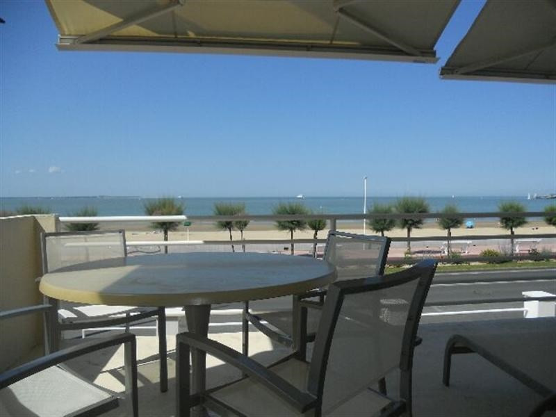 Vacation rental apartment Royan 1 298€ - Picture 1