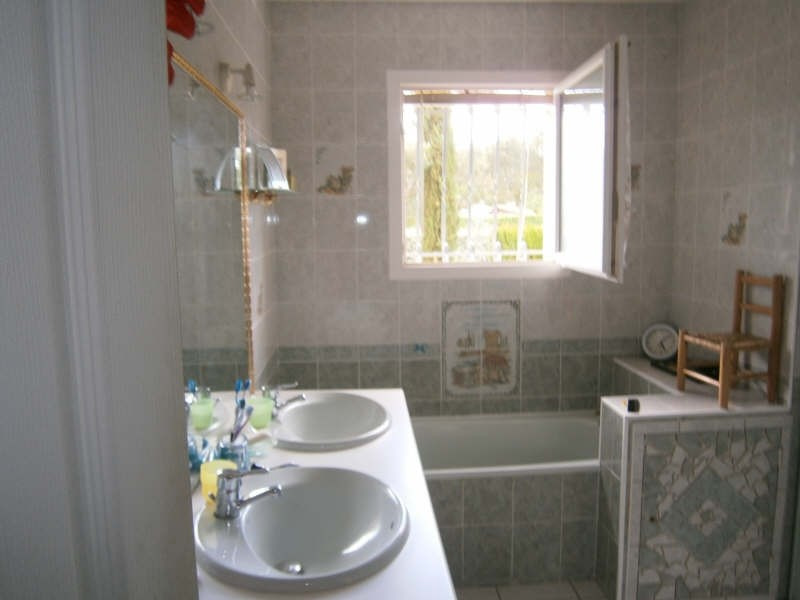 Sale house / villa Reignac 182000€ - Picture 7