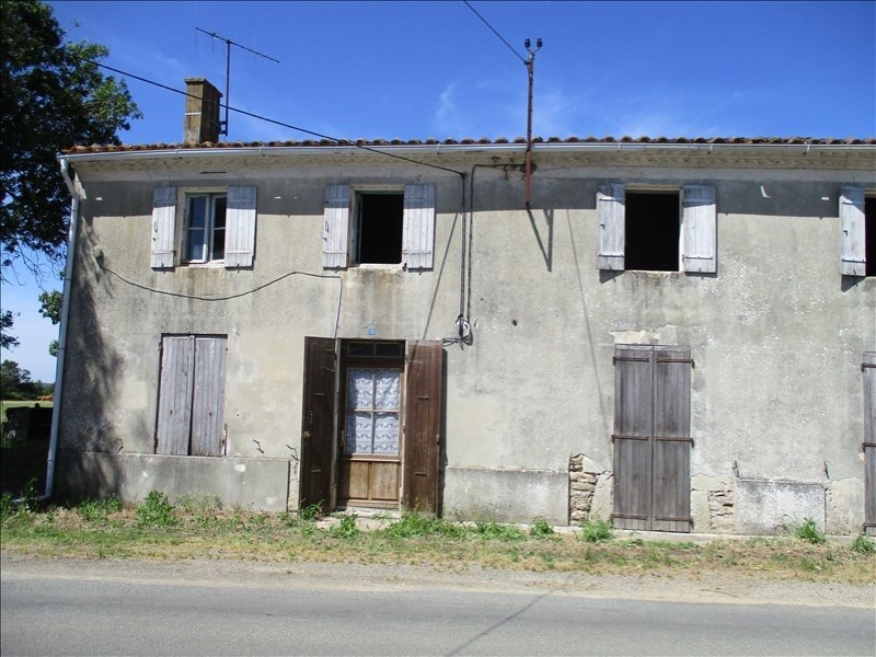 Sale house / villa Loulay 32700€ - Picture 1