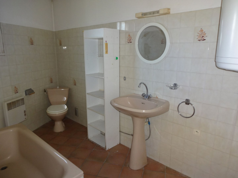 Rental apartment Entraigues sur la sorgue 514€ CC - Picture 4