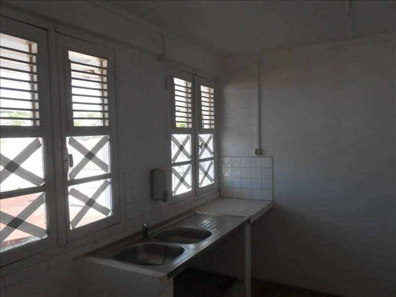 Rental apartment Basse terre 700€cc - Picture 3