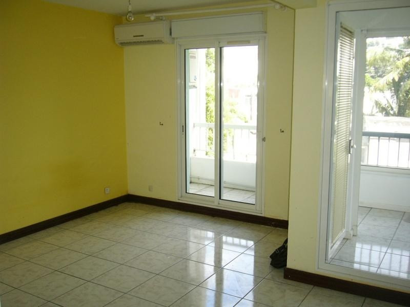 Rental apartment St denis 450€ CC - Picture 3