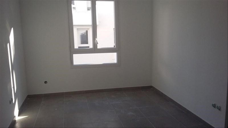 Location appartement Marseille 2ème 690€ CC - Photo 3
