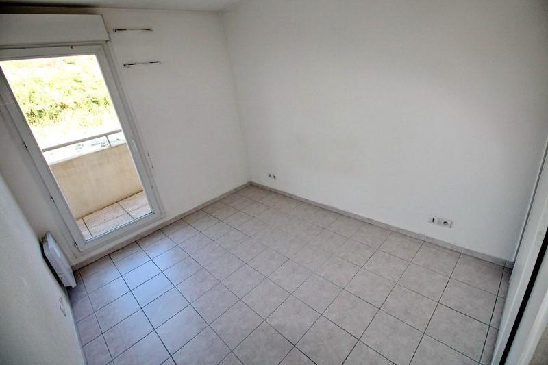 Affitto appartamento St laurent du var 830€ CC - Fotografia 10