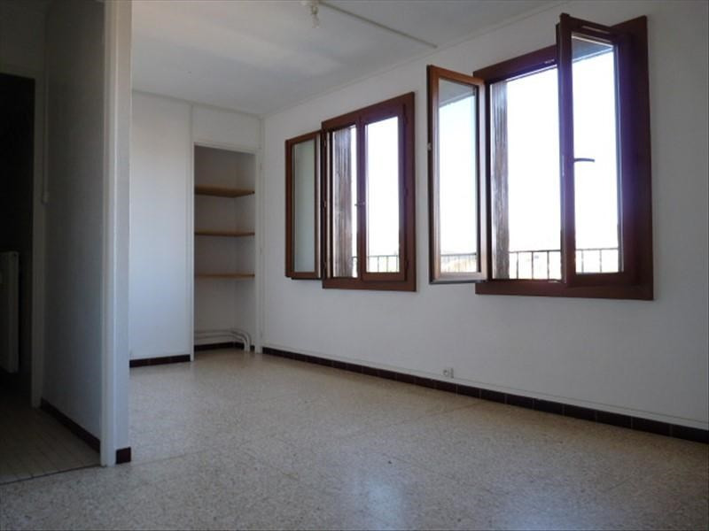 Rental apartment Aix en provence 494€ CC - Picture 1