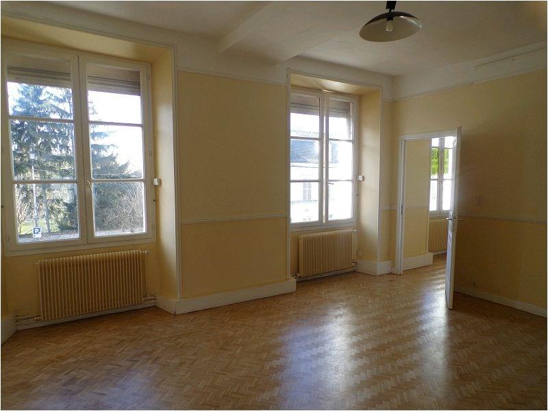 Rental apartment Crosne 754€ CC - Picture 1