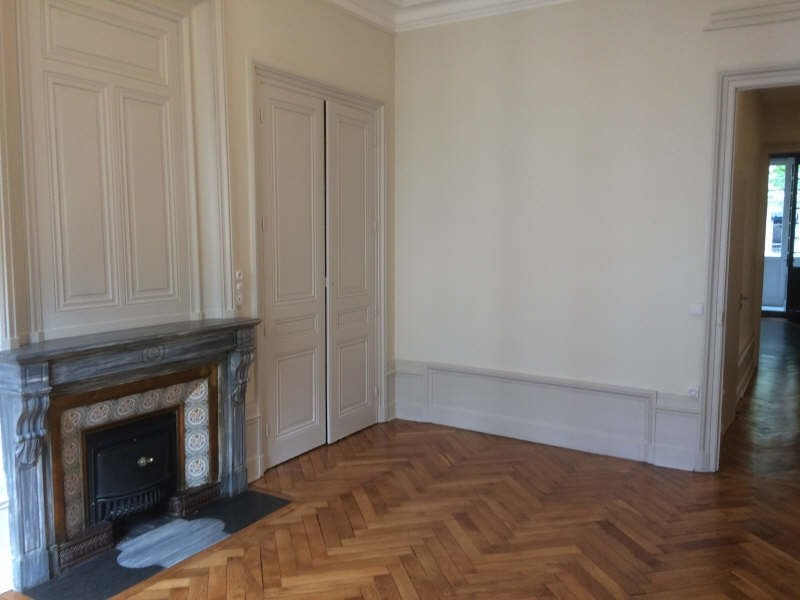 Location appartement Lyon 3ème 2 980€ CC - Photo 9