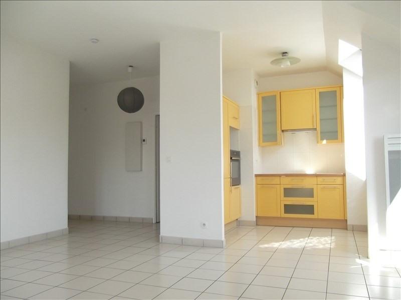Rental apartment Voisins le bretonneux 1592€ CC - Picture 3