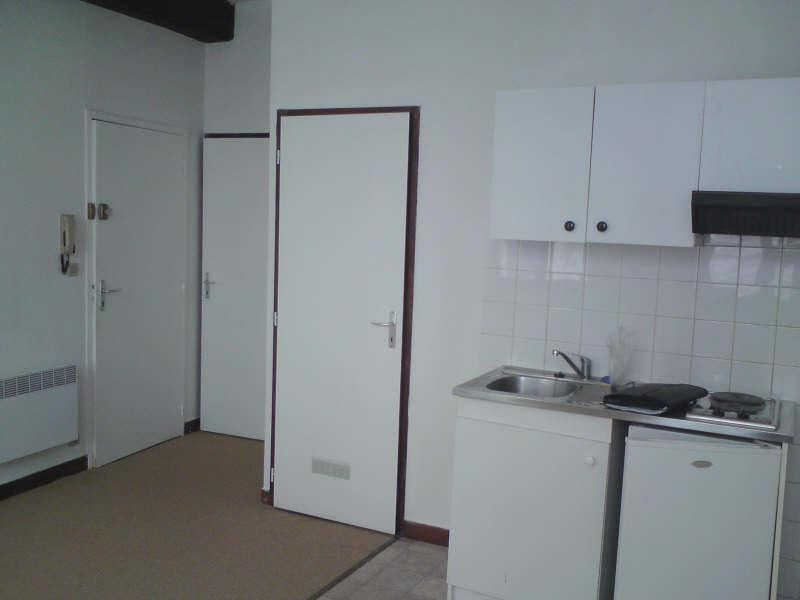 Rental apartment Angouleme 265€ CC - Picture 3