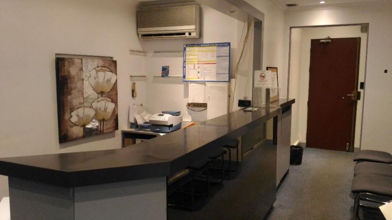 Rental shop Cagnes sur mer 1310€ CC - Picture 1