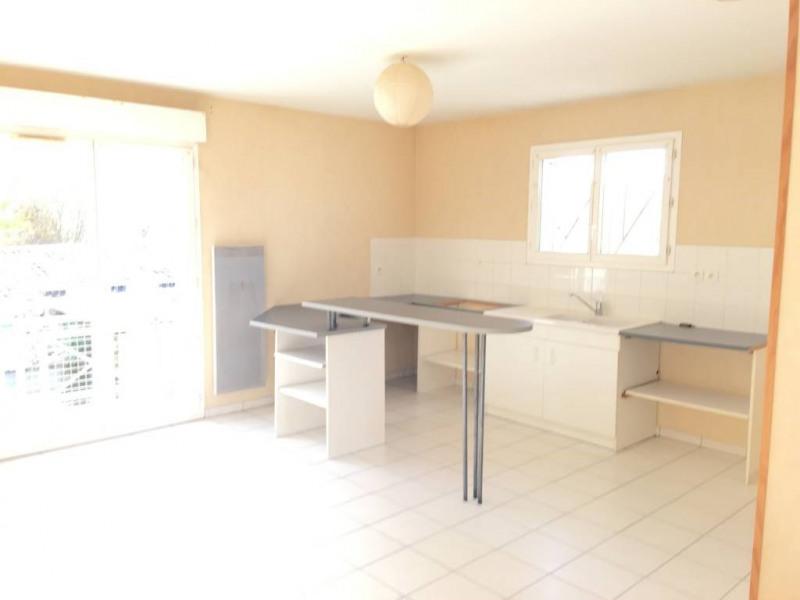 Location appartement Saint-andre-de-cubzac 553€ CC - Photo 2