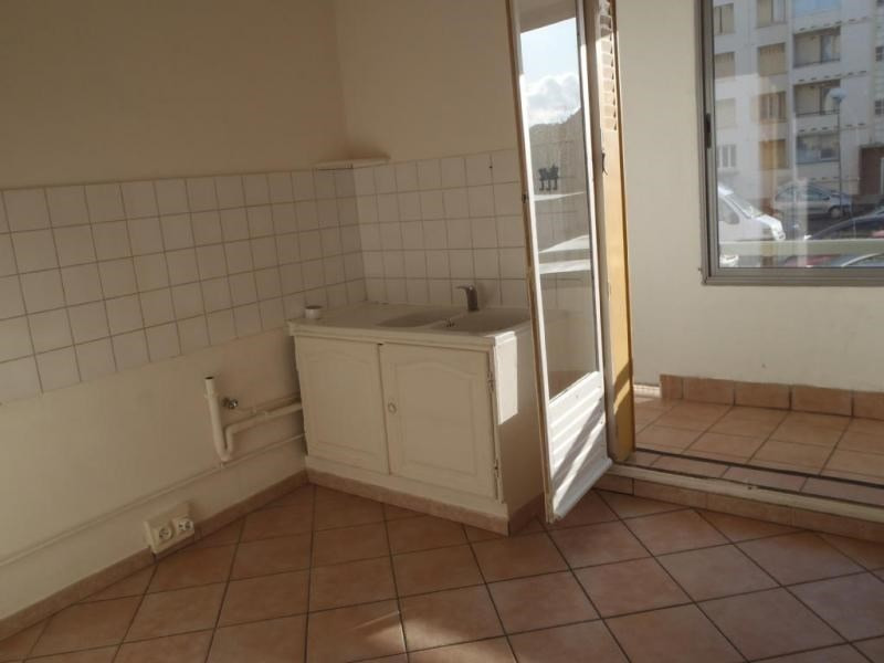 Rental apartment Montelimar 647€ CC - Picture 1