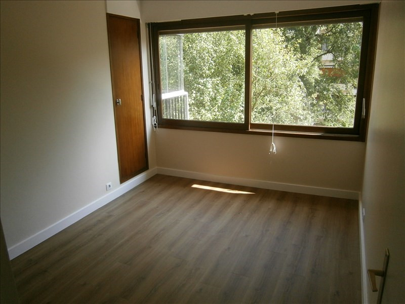 Location appartement Le chesnay 1 111€ CC - Photo 6