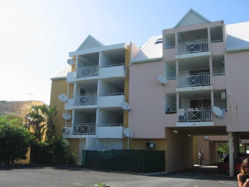 Rental apartment Ste anne 620€ CC - Picture 6
