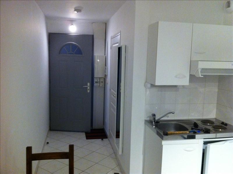 Location appartement St julien les villas 350€ CC - Photo 3