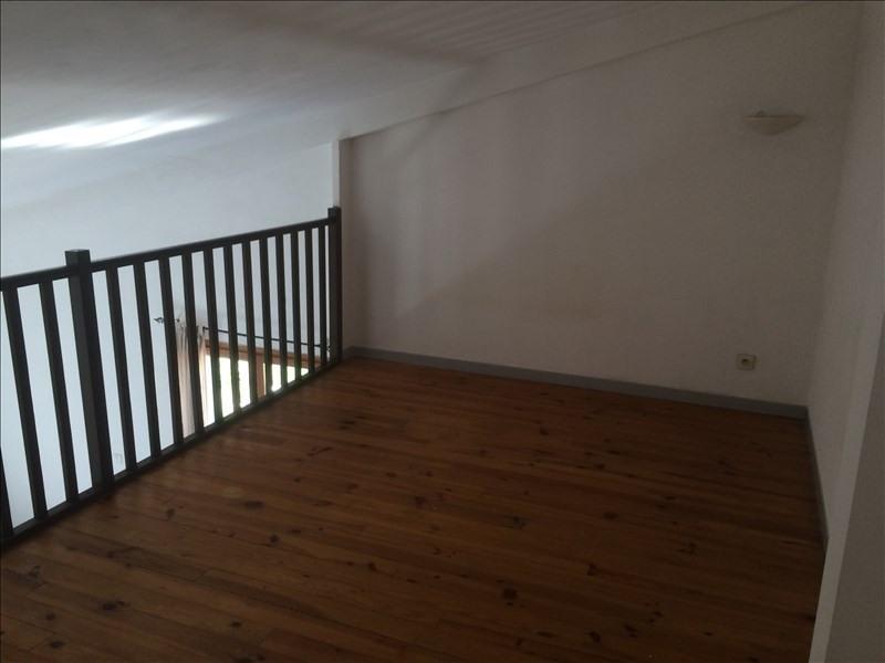 Location appartement Les milles 663€ CC - Photo 8