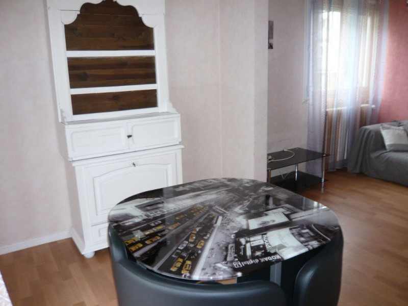 Rental apartment Laval 430€ CC - Picture 4