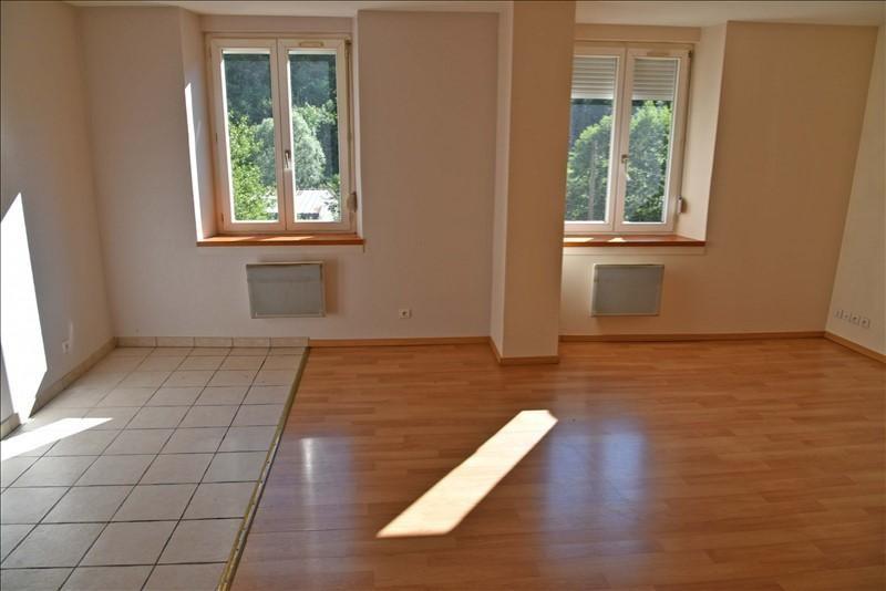 Location appartement Nantua 330€ CC - Photo 1