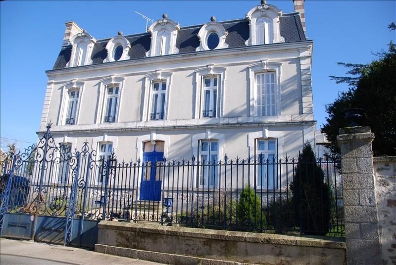 Sale house / villa Parthenay 425000€ - Picture 1