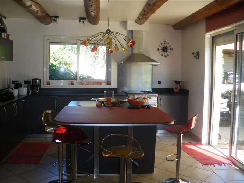 Sale house / villa Savigneux 490000€ - Picture 3