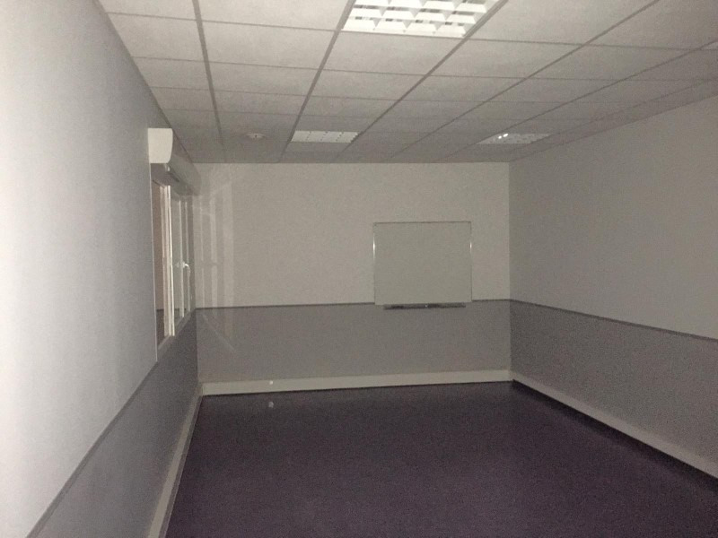 Location local commercial Roanne 1780€ HT/HC - Photo 3